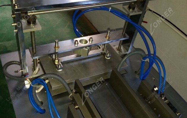 semi automatic cellophane packing machine